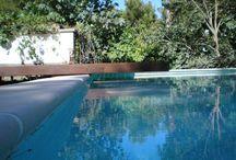 Instalación de tarima de madera en piscina