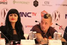Kecantikan Julia Perez Membuat Radja Nainggolan Terpesona /  Pemain Radja Nainggolan yang duduk bersebelahan dengan Julia Perez di konferensi pers AS Roma di Indonesia, ketahuan terpesona dengan Jupe.  Cek..> http://ids.fm/IdTbuuAn