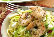 Quick and Easy Dinner Recipes / Quick and easy dinner recipes that families will love. Most take less than 30 minutes to make. Or, the prep time takes a few minutes and then it's all hands off cook time.