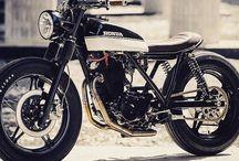 Moto<3