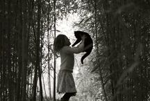 CATS , BLACK & WHITE PHOTOS