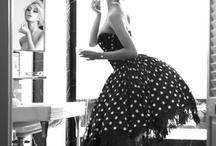 Blanc & Noir / by Sherine Rohwein