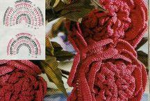 horgolt és makramé virágok/  crocheted and macrame flowers