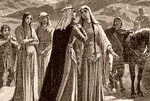 Galswinthe (545 +568) Epouse Chilpéric 1° (568) / Reine des Francs de Neustrie. Dynastie: Mérovingien. Naissance vers 545 en Espagne wisigothique, décès en 568 (l'année de son mariage, assassinée). Père: ATHANAGILD, Mère: GOSWITHE. Conjoint: CHILPERIC 1°. Sans descendance. Soeur: BRUNEHAUT.