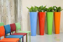 Kunststoffgefässe / Über unsere Kunststoffgefäße freut sich die Umwelt. Sie werden aus recyclten und umweltschonenden Materialien gefertigt. Lassen Sie sich gerne beraten. Wir von Gedike Begrünungen haben Kunststoffgefäße in allen Formen und Farben.