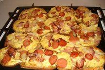 zapekane chlebiky so syrom,slaninkou a parkami