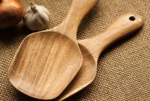 The Artisan Collection / Handcrafted products made in Indian rosewood.