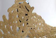 Hybridations / Une des tendances du 21e siècle : hybridations de formes, matériaux, stylistiques, disciplinaires, sociales... technologie-écologie, bourgeois-bohème, transdisciplinarités : design-art plastique, mode-art, design-nourriture...