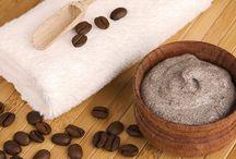Scrub / Cocosolie, suiker, koffiebonen scrub