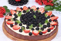 Jeżynowe pyszności / Jeżyny to smaczne o owoce, o których czasami zapominamy latem. A można z nich przygotować naprawdę wiele deserów i nie tylko. Zobacz!