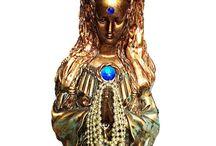 Espiritualidade / 24 de Maio - Dia de Santa Sara Kali http://www.camilazivit.com.br/24-de-maio-dia-de-santa-sara-kali-padroeira-dos-ciganos/