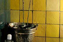 Цементная плитка Mosaic Del Sur / Mosaic del Sur – это всегда что-то особенное. Каждая коллекция цементной плитки – вкусное сочетание акварельных цветов, совершенно удивительные узоры и всегда актуальные идеи. Среди дизайнеров плитка Mosaic del Sur пользуется глубокой профессиональной любовью. К тому же, производитель готов сделать уникальную плитку по дизайнерским эскизам. Помимо цементной плитки испанская фабрика изготавливает марокканскую мозаику – живую, самобытную и абсолютно рукотворную.