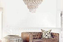 Knulst ♦ Woonkamer / Houten vloeren zijn natuurproducten. Dat ziet u terug in het unieke karakter van iedere houten vloer. Naar welke houtsoort uw voorkeur ook uitgaat, bij ons bent u altijd verzekerd van een duurzame en sfeervolle vloer met een eigen uitstraling. Houten vloeren kunnen naadloos aansluiten bij uw levensstijl en interieur.