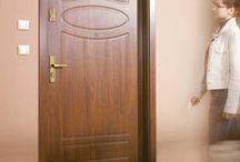 Входни врати за апартаменти / Входната врата е важна не само защото говори за цялостната визия на Вашето жилище, а и защото обикновено тя трябва да бъде стабилна.