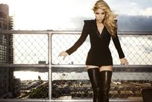 Hollywood Actress Wallpaper / Watch the Finest collection of hollywood famous celebrity Wallpaper. Download latest images of Hollywood actress