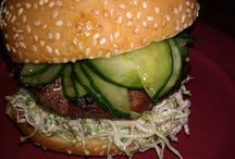Food - Burgers and Dogs / by Samantha Ackerman