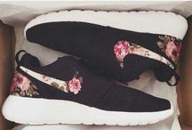 Nike roshe flowers