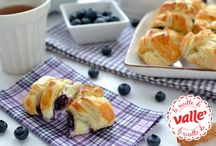 Frutti Rossi: Che Meraviglia! / Tante ricette Valle' a base di deliziosi FRUTTI ROSSI, lamponi, more, fragole, mirtilli..: torte, biscotti, dolci, muffin, cheescakes....