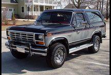 Autá a motorky / Ford Bronco