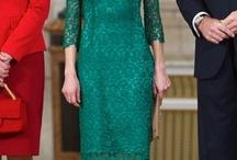 vestido verde combinacion zapatos