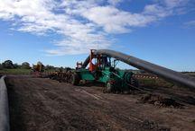 Cable Ploughing / Bilder zu einer innovativen Verlegetechnik von Kabeln und Rohren. Hervorragend geeignet zum Verlegen von Glasfaserleitungen und für den geplanten Südlink.