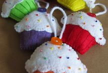 Felted cupcakes