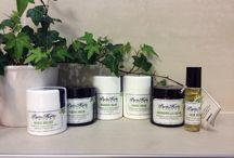 Producten voor huidproblemen / Het belangrijkste doel van Purity Herbs is een krachtige, natuurlijke oplossing te creëren voor huidproblemen, met      name een extreem droge, geïrriteerde en pijnlijke huid.  De geneeskrachtige eigenschappen van de gebruikte kruiden blijken zeer effectief te zijn. De crèmes hebben bewezen opmerkelijk gunstig te zijn voor psoriasis, eczeem en acné.
