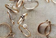 Vigselringar och smycken