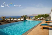 Villa Luna Mar en Puerto Calero - Lanzarote - Spain / This superb, three bedroom villa offers excellent accommodation. Decorated to a very high standard, this secluded luxury villa has fabulous uninterrupted sea views, mature gardens and a private solar heated pool 10.0m x 5.0m.