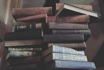 Katės ir knygos