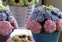 Cupcakes in flower pots:)