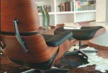Le Lounge Chair inspiré par Eames / Mythique, intemporel, somptueux, il n'y a pas assez de mots pour décrire le Lounge Chair inspiré par le designer Charles Eames.  Des reproductions de qualité supérieure sont disponible sur notre site http://www.meublesetdesign.com/fr/charles-eames/fauteuil-eames/fauteuil-lounge-chair