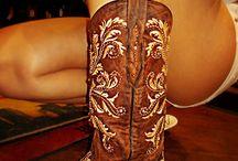 Boots nd Belts  / by Lovelady ❤️