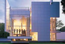 Richard Meier / Famous Architects