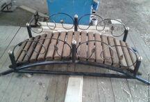 Кованые изделия в сад / Кованые изделия и металлоконструкции. Парковые беседки и лавочки. Садовая мебель- открытые кухни, беседки с мангалом, печи, столы и стулья. Беседка размером 2м на 1,5м и высотой 2,3м. Каркас беседки с мангалом изготовлен из профильной трубы, крыша покрыта оцинкованым железом. В беседку с мангалом входит, сама жароня из стали 5 мм, печь с трубой и зольником из стали 8 мм, два табурета, крышкана жаровню мангала и набор: совок, кочерга и щипцы.