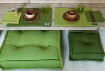 Cuscini Tabouret / Cuscini trapuntati che ricordano i vecchi materassi, ideali per arredare e per comporre un divano. Puoi far realizzare cuscini scegliendo dimensioni e tessuti per la tua casa o gli spazi all'aperto.  I cuscini sono sfoderabili, lavabili e realizzabili su misura.