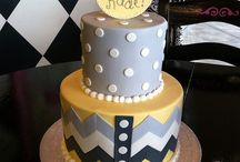 Baby/Wedding shower ideas / by Riley Graves