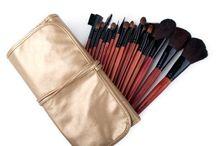 Makeup - Brushes & Applicators