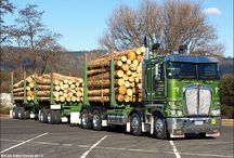 hout transport trucks