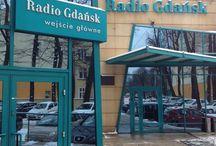 Metropolia Jest Okey w Radiu Gdańsk / Zdjęcia i filmy z koncertów organizowanych w ramach cyklu Metropolia Jest Okey w Radiu Gdańsk.   Cykl MJOwRG jest częścią Festiwalu Metropolia Jest Okey (www.facebook.com/MetropoliaJestOkey).   Organizatorzy: Nadbałtyckie Centrum Kultury i Radio Gdańsk.