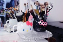 Perfume-makeup-brushes-accessories