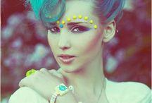 Mood+Make-up / by Vatjanee Siriphong