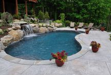 Kidney Shaped Pools / Pictures of amazing kidney shaped swimming pools.
