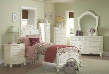 Girlies' Bedrooms / by Andrea Oman