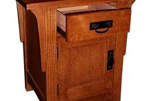 Shaker Furniture / by Cindy Krelle