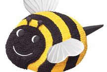 Buzzy Bee Cake Design / This shape cake is made by using our Wilton Ladybug cake tin.