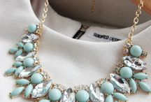 Statement Necklaces UK / Statement Necklaces Inspiration and Ideas for Glamorous, Chic and Stylish Women. Fashion