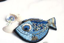 Brože a šperky z korálků
