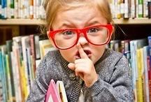 """Shhh... #estamosdeexámenes / Coincidiendo con el período de exámenes presentamos este tablero """"Shhh... #estamosdeexámens"""" en el que se recogen  los carteles y otros materiales que se utilizan en bibliotecas y salas de estudio para pedir silencio. Recuerda que el silencio favorece la concentración y el rendimiento en el estudio."""