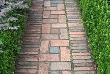 Brick path / Téglából kerti ösvény